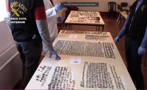 Detienen a cuatro personas y recuperan más de 3.700 restos arqueológicos en Málaga
