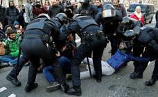 Un juez de Girona cita a 23 policías nacionales por las cargas del 1-O