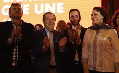 El PSOE presenta a lo grande su lista en Antequera con la ministra Valerio como respaldo