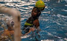 El Waterpolo Málaga lanza un proyecto educativo que integra deporte e idiomas