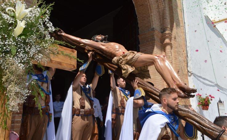 Emotiva celebración del Día de la Cruz en Coín