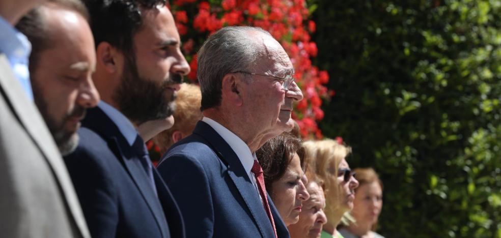 LOS HOMBRES DE PACO VERSUS PSOE