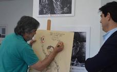 El dibujante Ángel Idígoras inaugura la exposición 'Cine y Lápices' en la I Semana del Cine