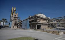 La fábrica de cemento ensaya con orujo de aceituna como combustible alternativo