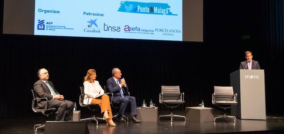El alcalde de Málaga plantea un permiso municipal previo para viviendas turísticas