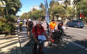 Pedaladas por un carril bici hasta El Palo