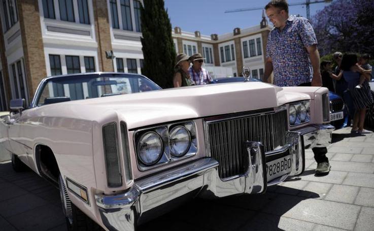 La IV Caravana Solidaria que organiza el Museo Automovilístico con fines benéficos, en imágenes