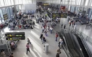 El aeropuerto gana un 7,3% de pasajeros en los cuatro primeros meses del año