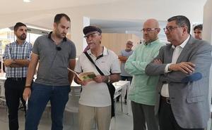 Torre del Mar inaugura una biblioteca con un homenaje a Manuel Alcántara