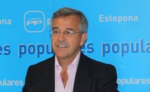 El PP se compromete en Estepona a liquidar la deuda municipal en 2023 y a bajar un 50% el IBI