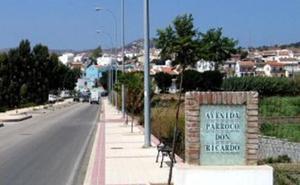 La Policía Local evita que un menor de 16 años se suicide lanzándose desde una terraza en Almayate