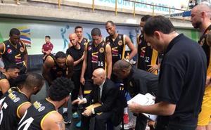 El técnico Manolo Povea regresa a Venezuela para entrenar al Panteras de Miranda