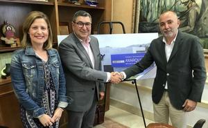 Firman la venta de una parcela del Parque Tecnoalimentario para una escuela de pilotos