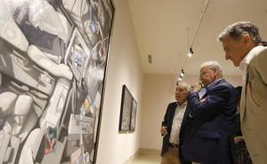 Alfonso Guerra visita la exposición de Cristóbal Toral en Antequera