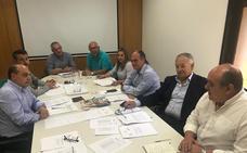 La Junta y el sector pesquero andaluz consensuan una postura común contra los recortes para la flota de arrastre