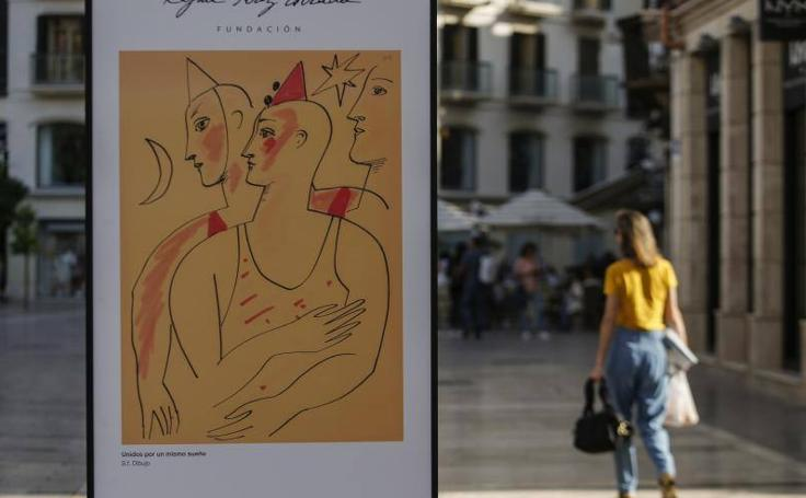 La exposición sobre Rafael Pérez Estrada en calle Larios de Málaga, en imágenes