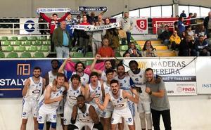 El Marbella gana y mantiene sus opciones de ascenso a la LEB Plata