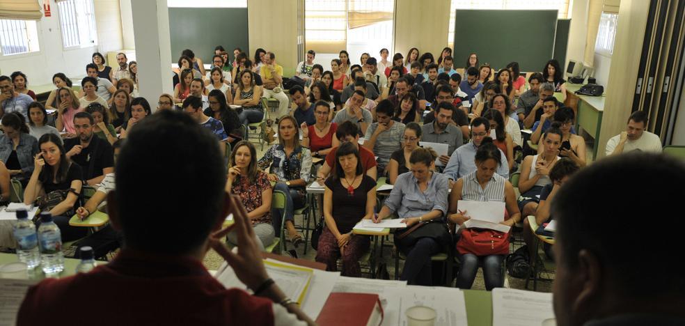 Las academias malagueñas se llenan de opositores para optar a las cerca de 33.800 plazas que se ofertan este año