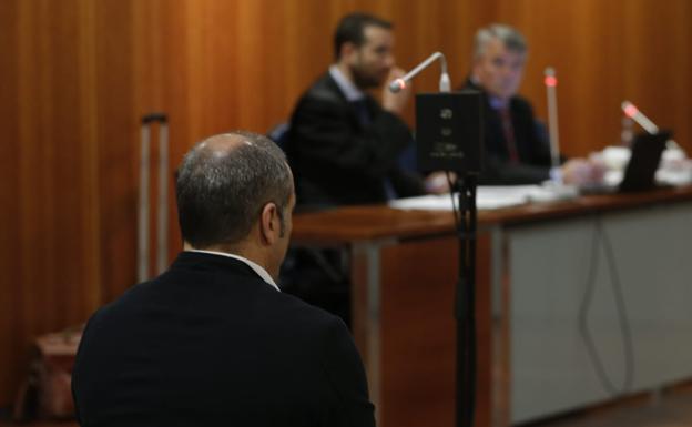 La Audiencia estudia dejar en libertad provisional al entrenador acusado de abusos por la baja de un juez