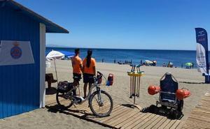 El Ayuntamiento de Estepona, obligado a licitar de nuevo el socorrismo de playas y piscinas
