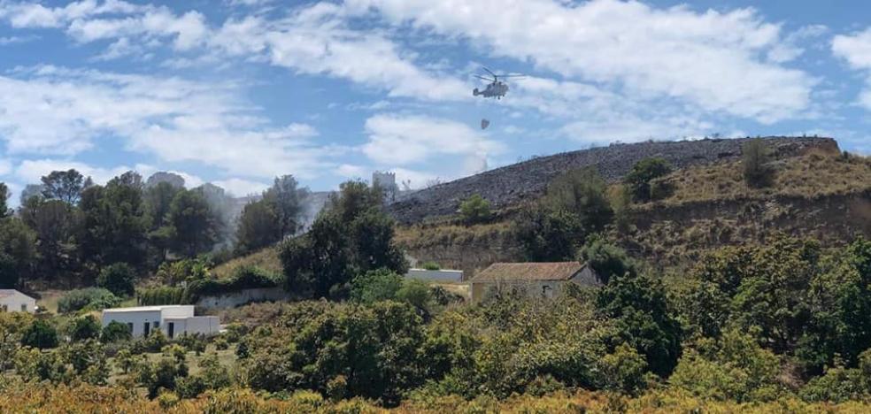 Detenido un vecino inglés de 43 años por provocar el incendio en el Cerro de San Isidro de Nerja con una negligencia