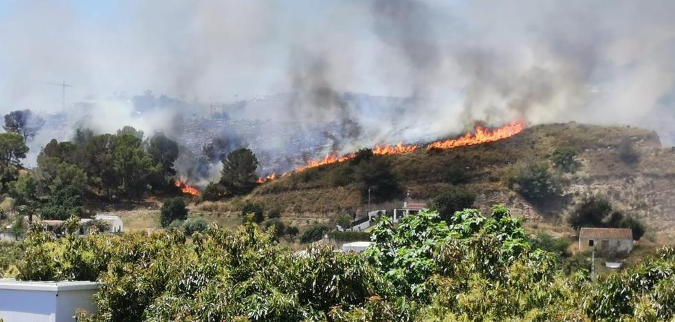 Estabilizado el incendio forestal declarado en el Cerro de San Isidro de Nerja