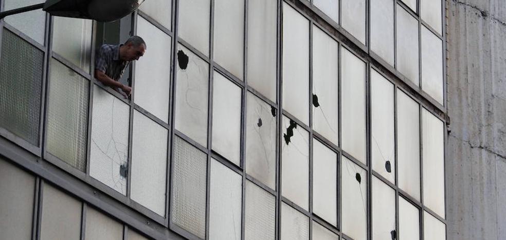 Atacan a pedradas la sede de Vox en Bilbao