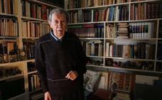 Veinte periodistas homenajearán a Manuel Alcántara en el Ateneo