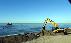 Las playas del centro recibirán 50.000 metros cúbicos de arena de La Bajadilla