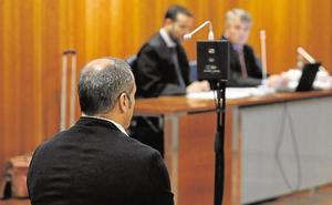 El juicio al entrenador acusado de abusos a menores peligra por la baja de un juez