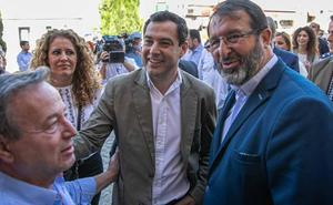 Moreno pide «diálogo y rigor» al PSOE en los presupuestos y Vox aguarda la negociación