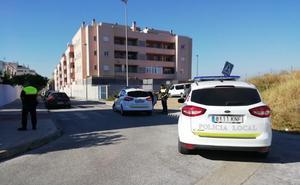 Frustran el robo de una vivienda en Vélez-Málaga tras sorprender a los ladrones accediendo al inmueble y perseguirlos a pie