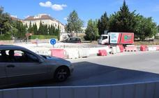 Vecinos piden al Ayuntamiento que reduzca la nueva rotonda de la avenida de Málaga