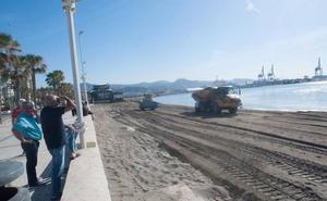 El Puerto acondiciona San Andrés con arena de la misma playa