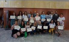 Educación reconoce el esfuerzo y la superación de seis estudiantes de ESO para adultos de Málaga