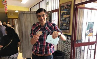 Jacobo Bono: «Tengo muchas ganas de votar, estoy muy ilusionado»