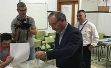 La ejecutiva local del PP de Vélez-Málaga acuerda hablar con PSOE y GIPMTM para un posible pacto