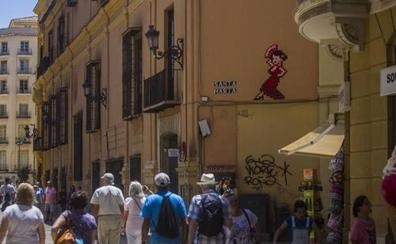 La Fiscalía rechaza que se archive la causa por los mosaicos de Invader para el exdirector del CAC de Málaga