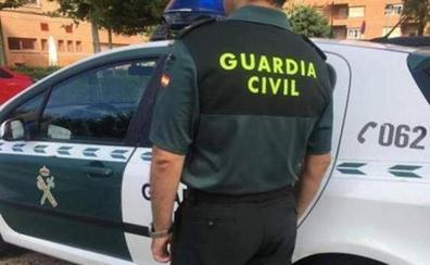 Encuentran a una pareja muerta por disparos de escopeta en el interior de su casa en Iznájar