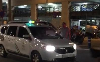 La Policía Local reforzará la vigilancia en el aeropuerto de Málaga contra los 'taxis' pirata