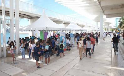 Estudiantes convierten El Palmeral en un gran mercado