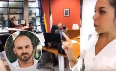 La pareja de un director general de la Junta banaliza con hacer «reformas» en su despacho en una 'storie' de Instagram