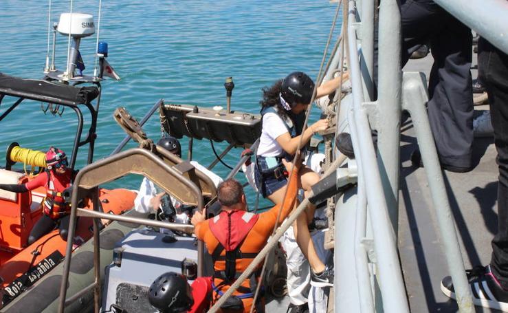 Fotoperiodismo: Una mañana a bordo del patrullero Infanta Elena