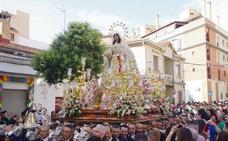 La Virgen del Rocío recorre el barrio de la Victoria por Pentecostés