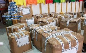 Incautadas más de 7.000 prendas de ropa falsificadas en el polígono Guadalhorce de Málaga