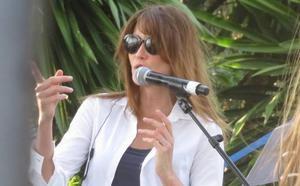Selecto concierto de Carla Bruni en Estepona