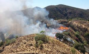 Controlado el incendio forestal en el paraje La Escombrera de Coín