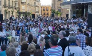Alta costura a pie de calle en pleno Centro de Málaga