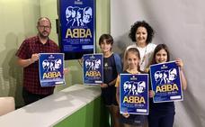 Escolares de Vélez protagonizan un musical bilingüe solidario sobre la historia de ABBA