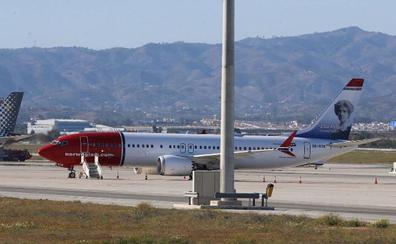 El avión de Norwegian Boeing 737 Max deja el aeropuerto de Málaga tras casi tres meses varado